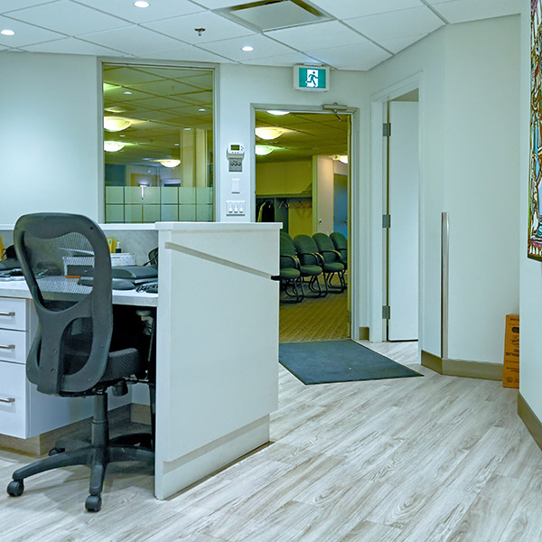 front-desk-our-clinic2